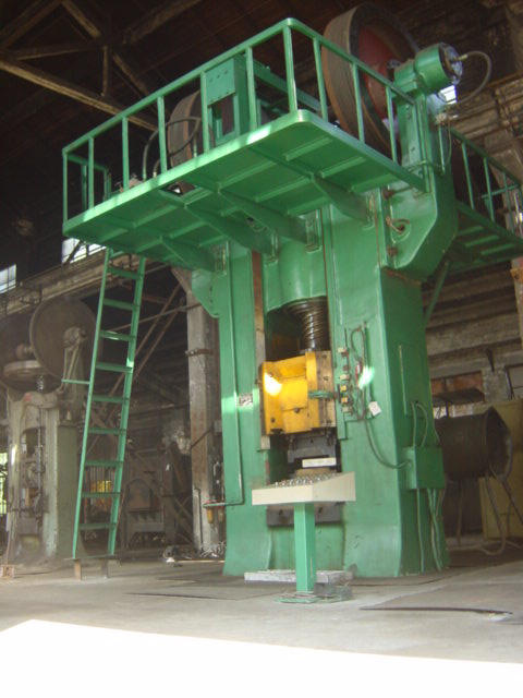 300-630T摩擦压力机.jpg